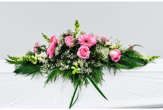 07. Arkunkansilaite vaaleanpunainen ruusu ja gerbera, harso ja valkoinen leijonankita