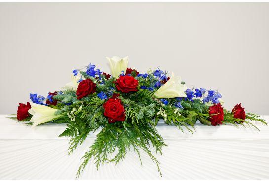 11. Arkunkansilaite punainen ruusu, valkolilja ja ritarinkannus