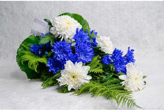 05. Hautakimppu valkoinen ja sininen krysanteemi