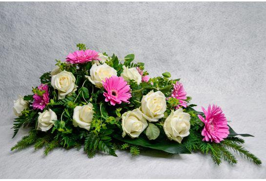 27. Kukkalaite vaaleanpunainen gerbera ja valkoinen ruusu