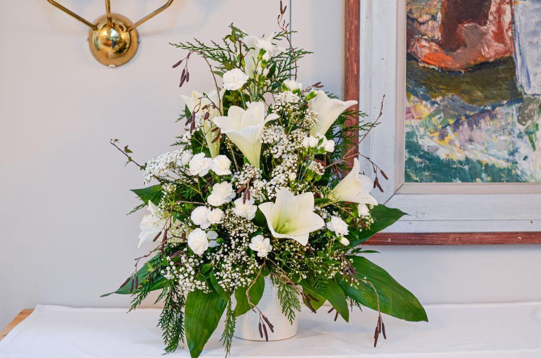 06. koristelu kukat valkoinen neilikka, harso ja valkolilja