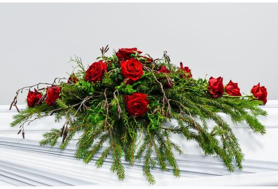 13. Arkunkansilaite punainen ruusu ja havuja