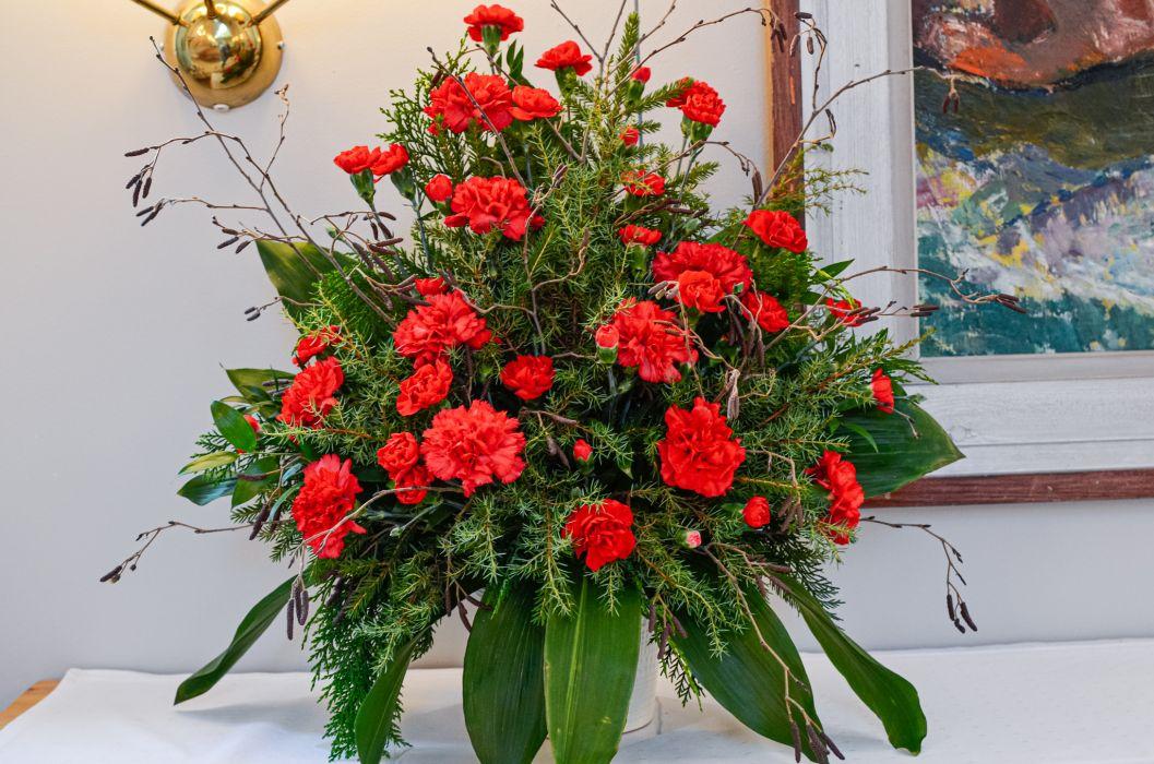 04. Koristelu kukat punainen neilikka ja havuja