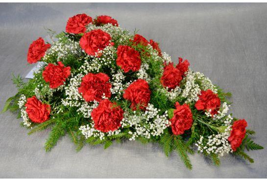 32. Kukkalaite punainen neilikka ja valkoinn harso