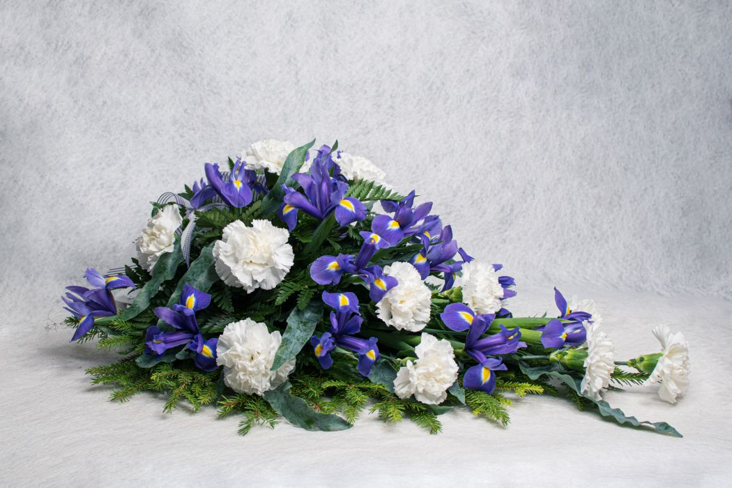 04. Kukkalaite valkoinen neilikka ja iiris