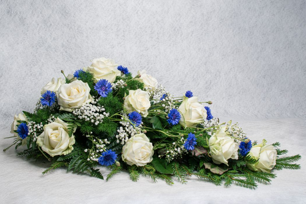08. Kukkalaite valkoinen ruusu, ruiskukka ja harso