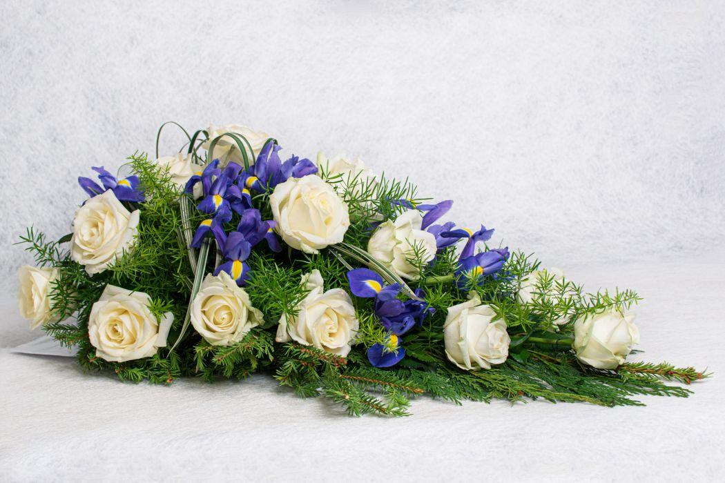 09. Kukkalaite valkoinen ruusu ja iiris